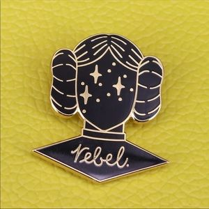PRINCESS LEIA REBEL ENAMEL PIN